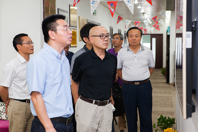 蔡耘副馆长参观焦点科技