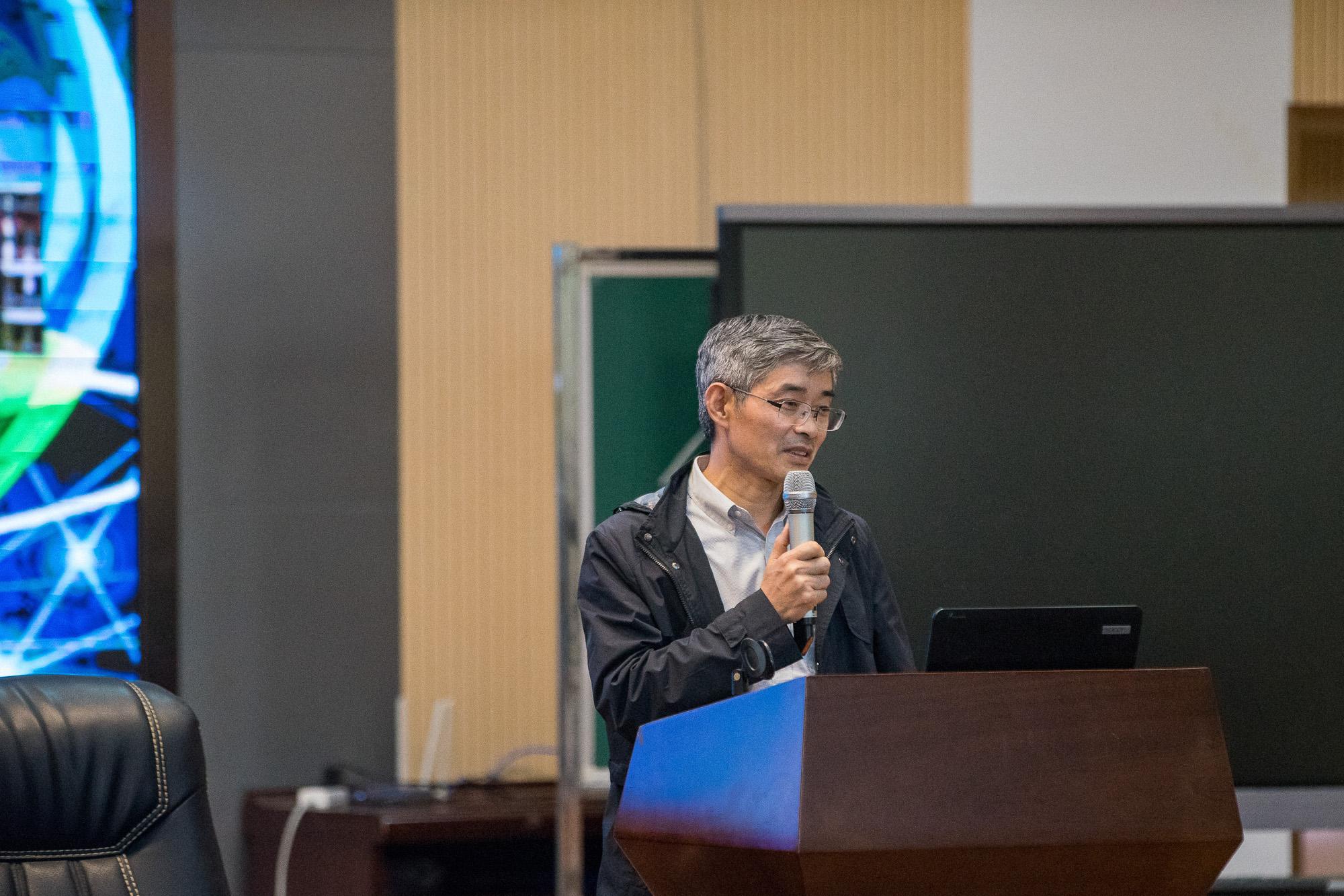 江苏省信息技术教育特级教师曹书成